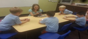 Students learn about cubelets and circuits